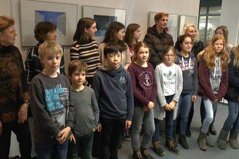 """Ausstellung """"Kaleidoskop"""" von CBG Schülern in der Stadtbücherei"""